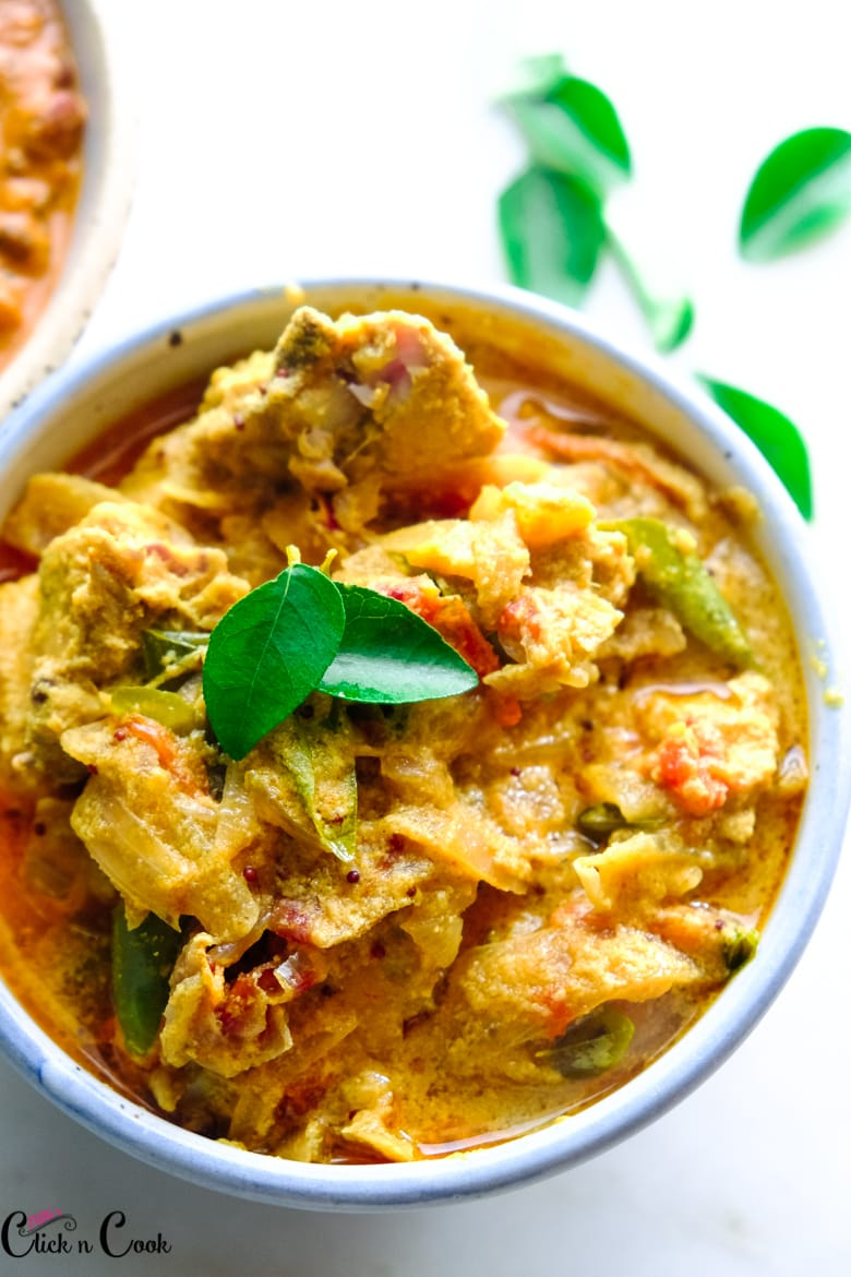 close up shot of chicken mappas served in bowl
