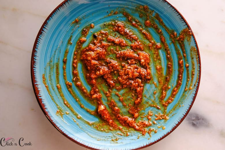 spice marinade is on the plate